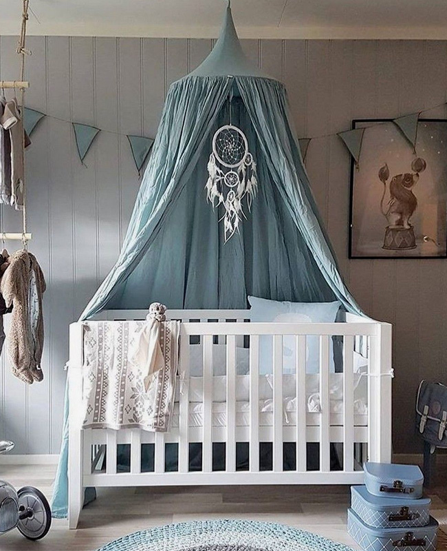 ciel de lit bleu pastel deco chambre bebe