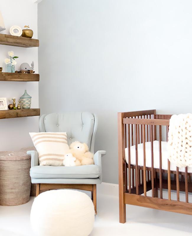 deco chambre bebe bleu bois fonce