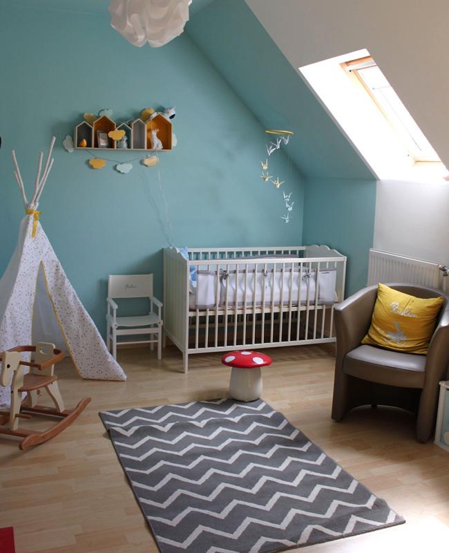 deco chambre bebe gris mur bleu