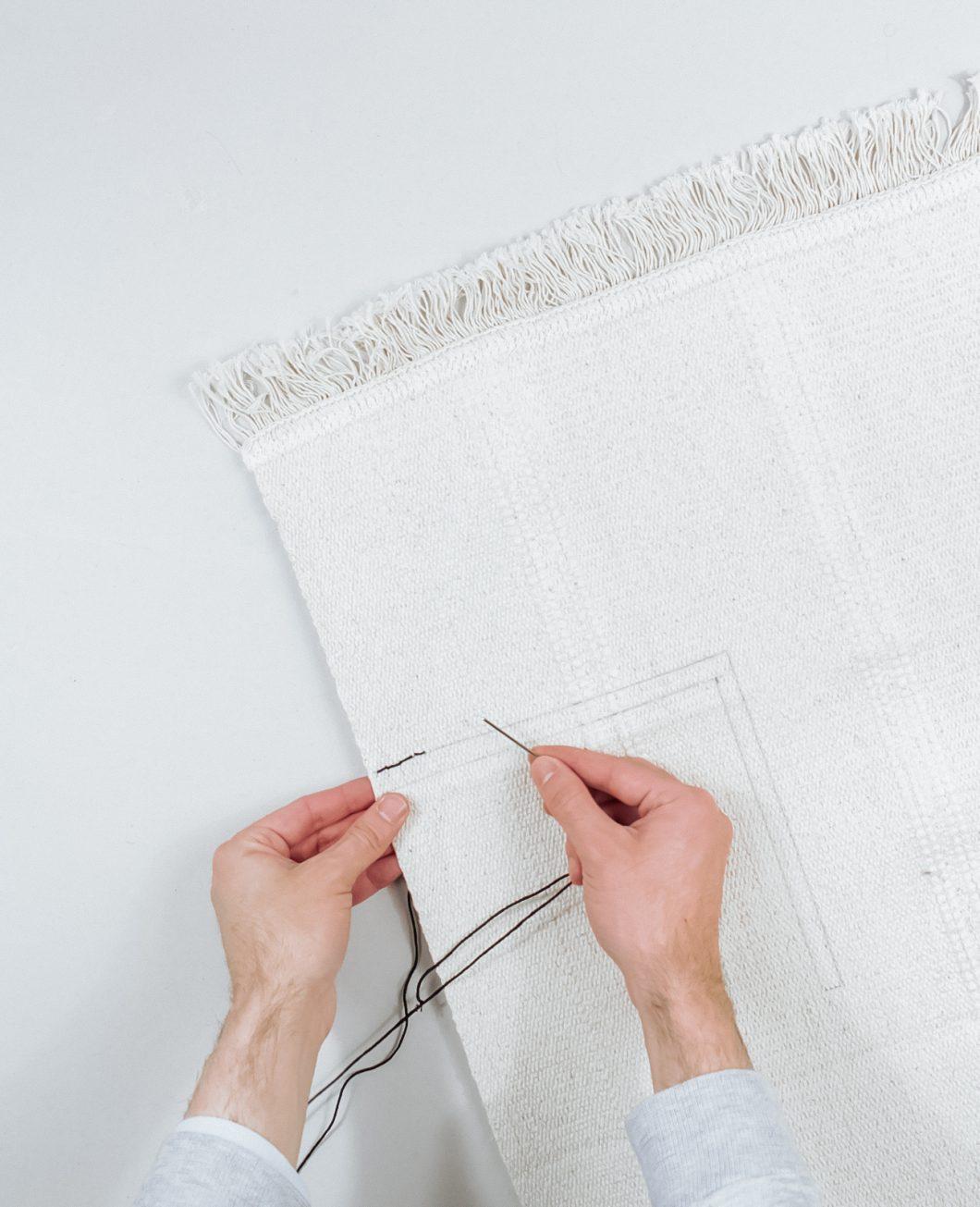 tapis deco murale boheme broderie Ikea Hack tuto dia etape 2
