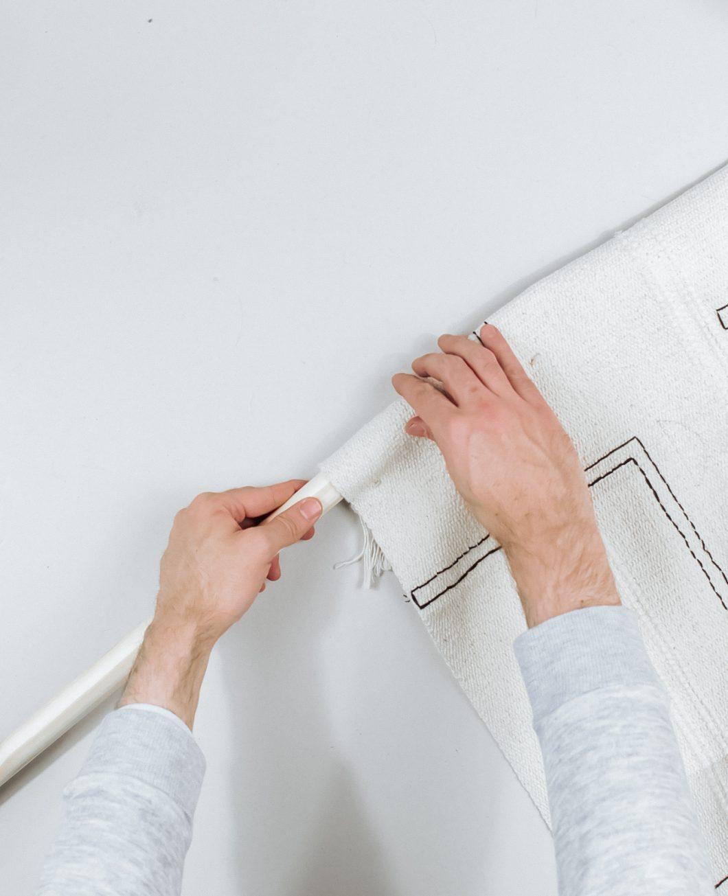 tapis deco murale boheme broderie Ikea Hack tuto dia etape 6