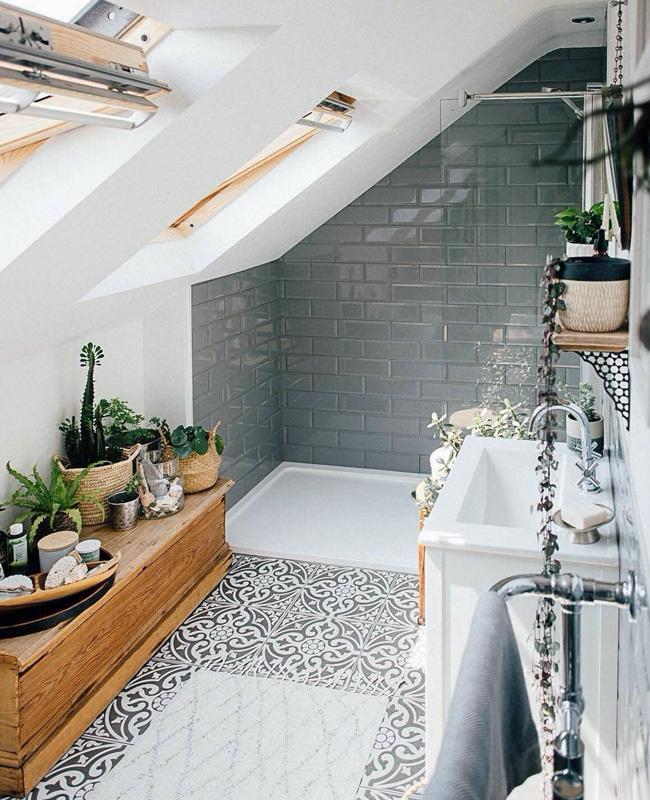 deco salle de bain sous pente douche vintage