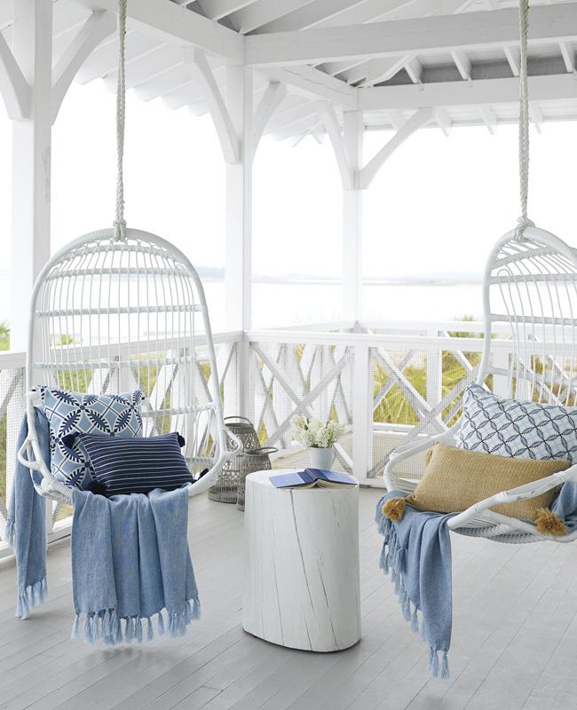 deco balcon bord de mer blanc bleu