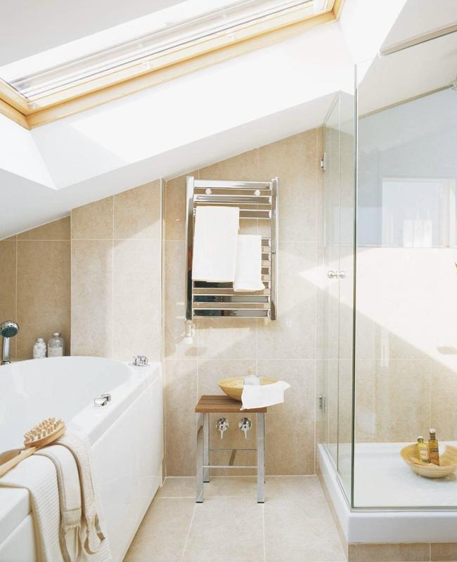 deco salle de bain sous pente douche baignoire