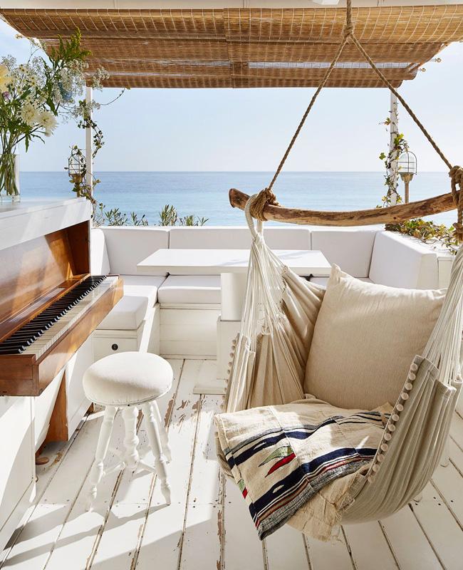 deco balcon bord de mer blanc bois