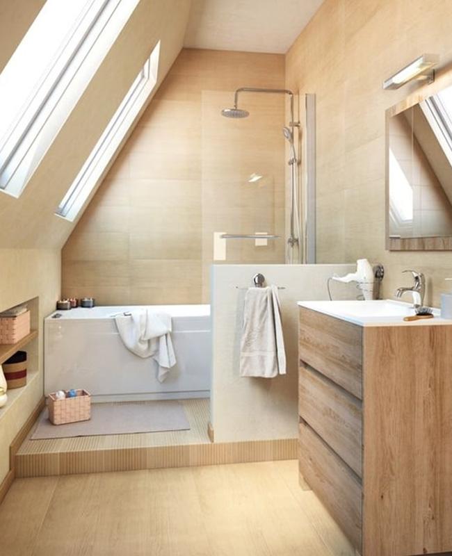 deco salle de bain sous pente douche baignoire bois