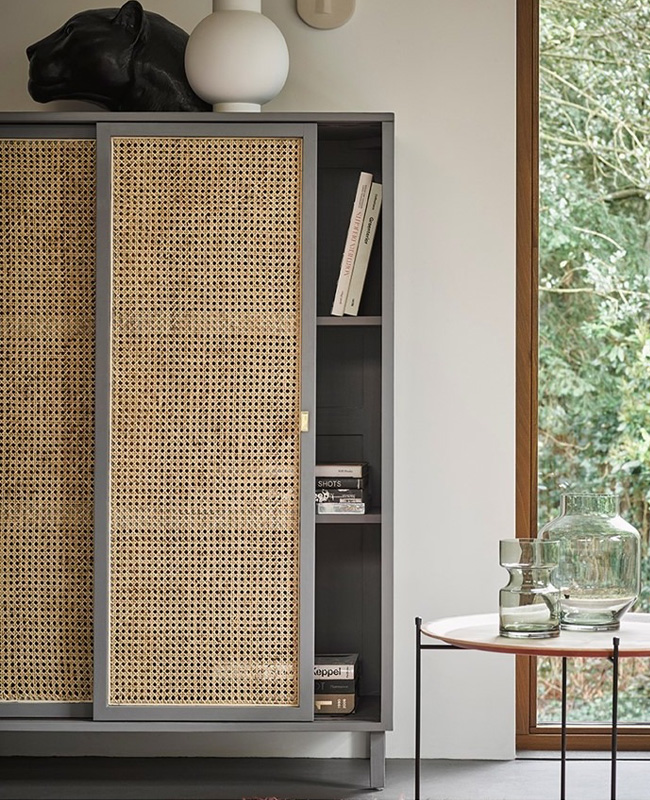 armoire cannage portes coulissantes
