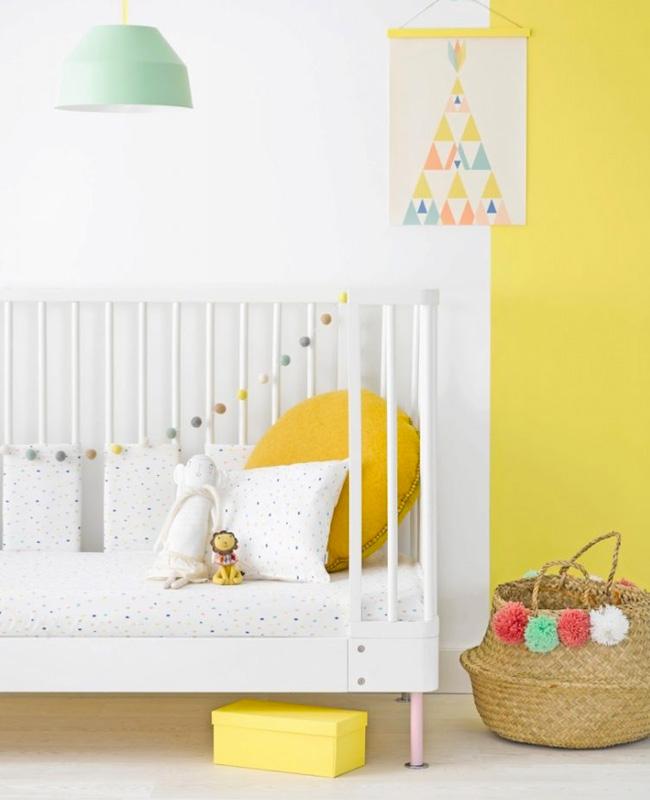 deco chambre bebe vert jaune moderne