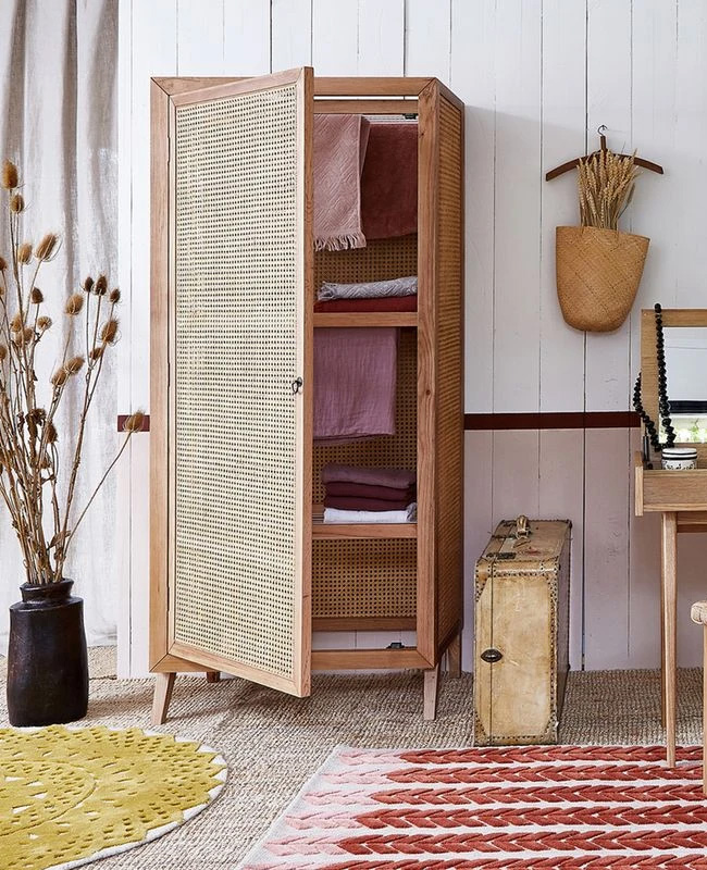 armoire lingere cannage