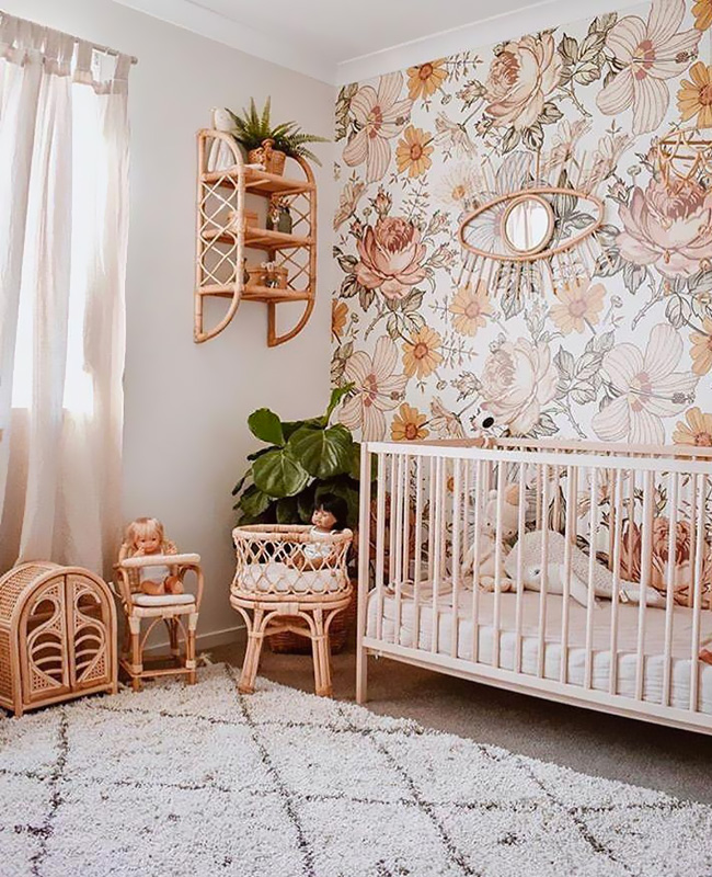 deco chambre bebe papier peint rose boheme