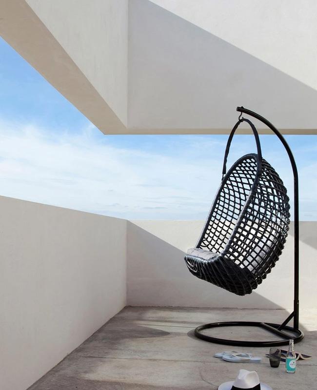 fauteuil suspendu moderne noir