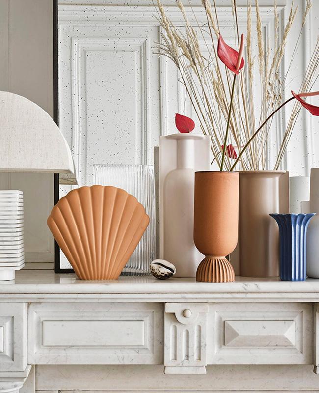 vase relief terre cuite
