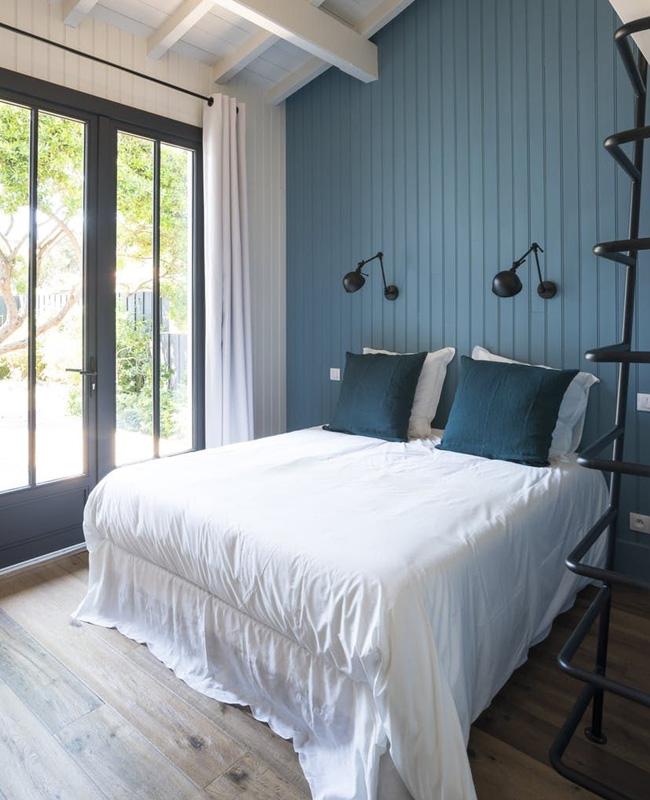 deco bord de mer moderne chambre mur bleu