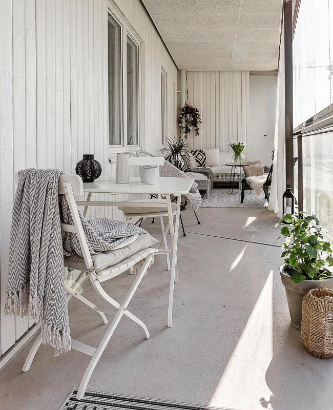 deco balcon beton gris blanc
