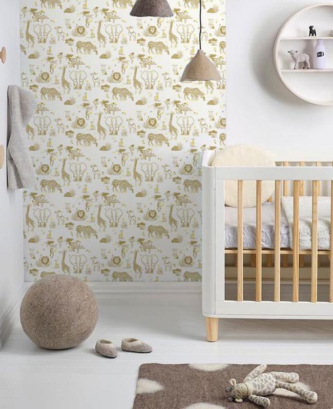 deco chambre bébé jaune papier peint savane