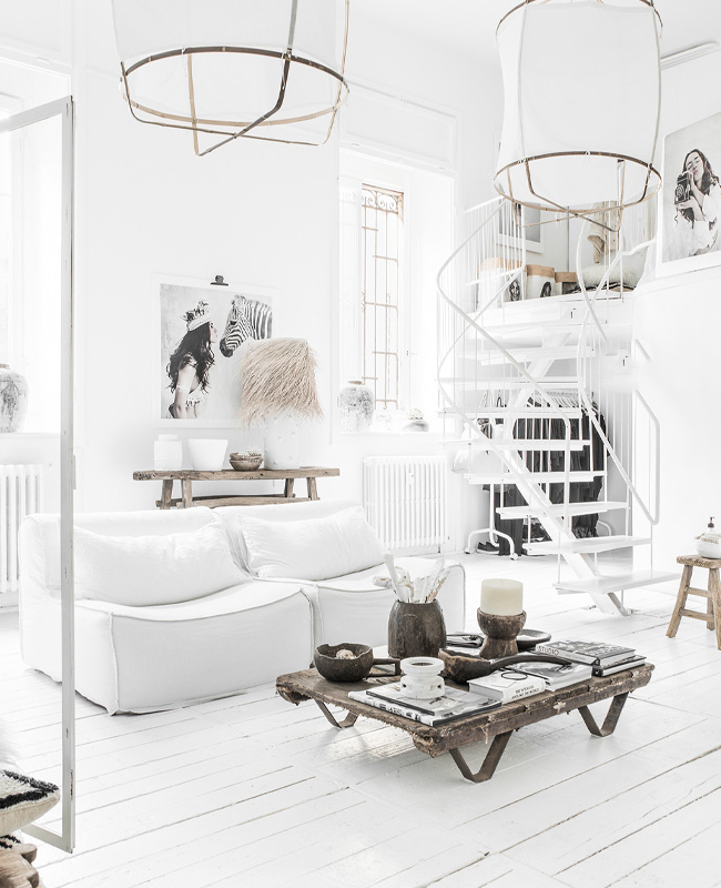 salon industriel blanc total look