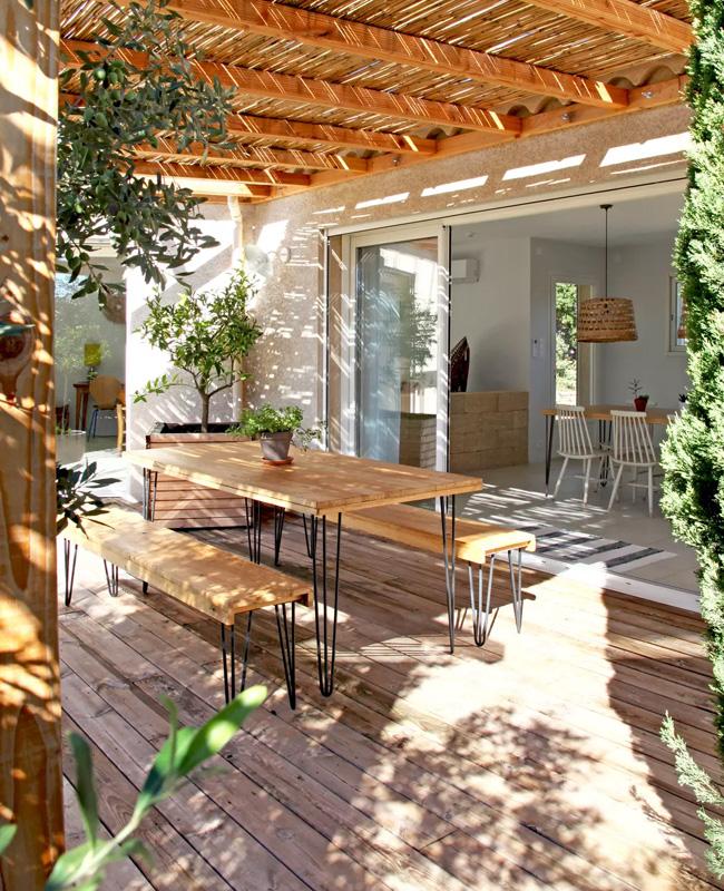 deco terrasse table banc bois