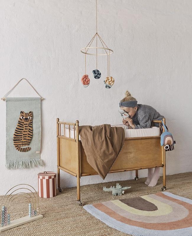 tapis arc en ciel deco chambre bebe